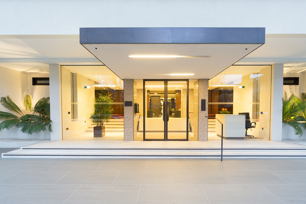 Chelwood House, W2 stepped main front entrance 3