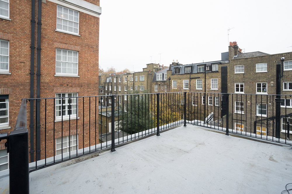 Wythburn Court, W1H railings and roof
