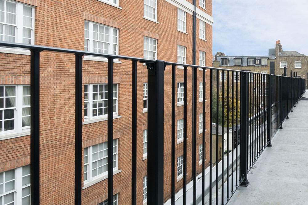 Wythburn Court, W1H railings
